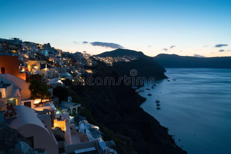 清早蓝色小时在Oia,圣托里尼 免版税图库摄影