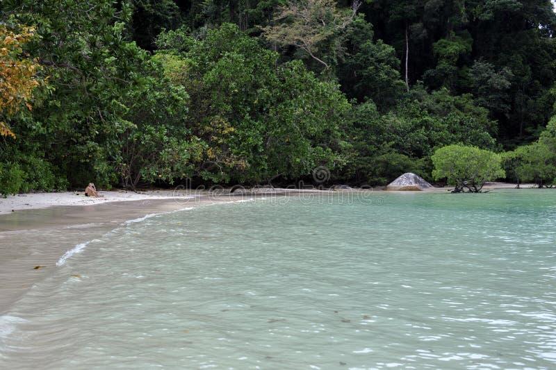 清楚的水海滩在泰国 库存图片