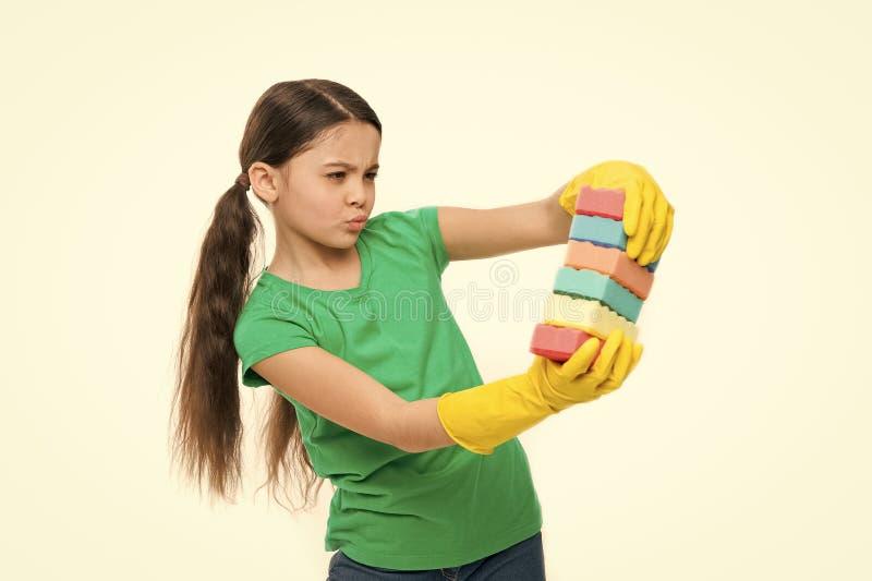 清洁现在是更加容易 一点佣人准备好家庭帮助 可爱的厨房佣人 o 库存图片
