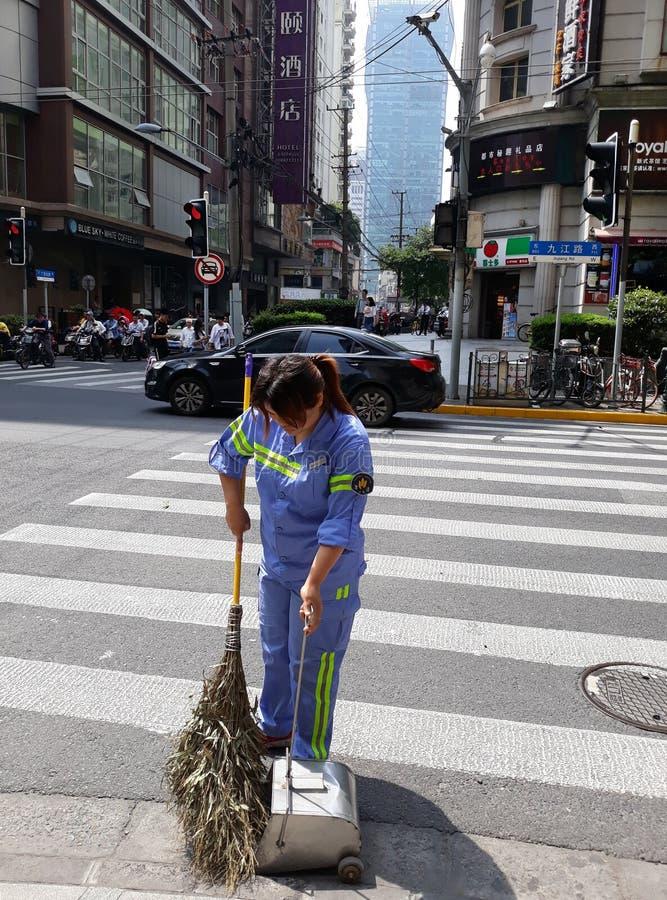 清洗上海街道  库存图片