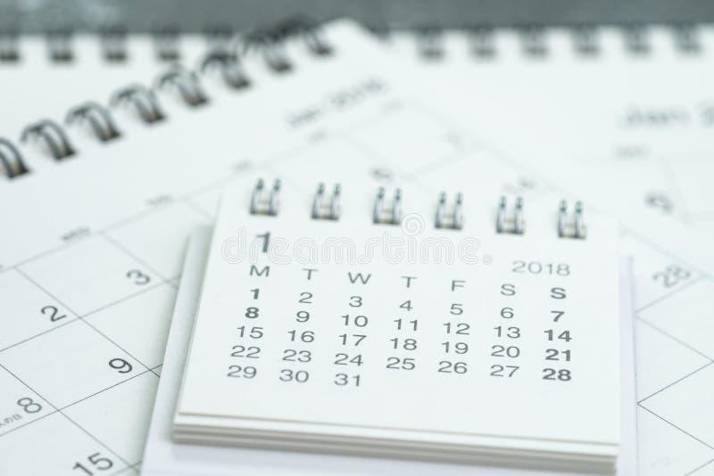 清洗白色日历企业最后期限,通过的时间,年plann 库存照片