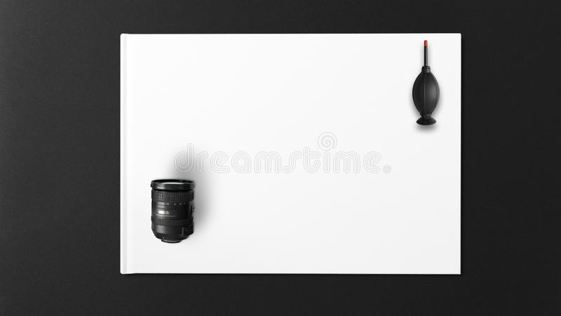 清洗的镜头黑吹风机与白色背景 免版税库存图片