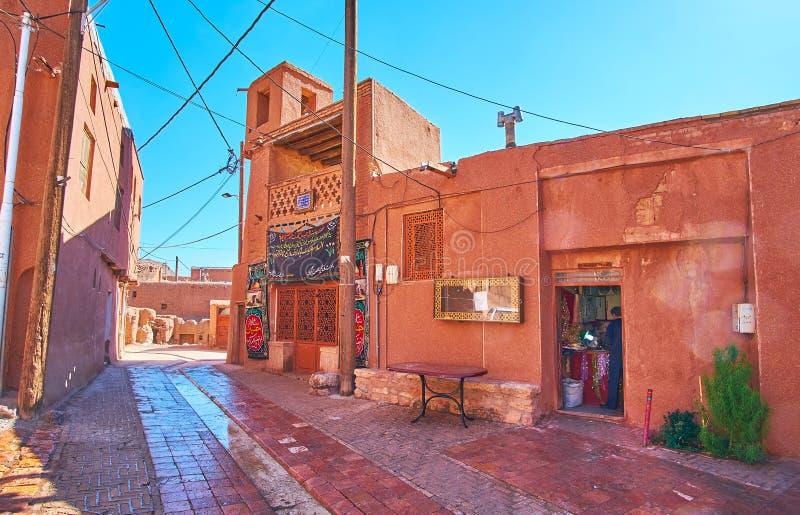 清真寺和车间在阿卜亚内赫,伊朗 库存照片