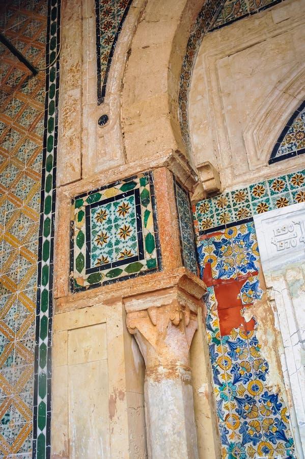 清真寺和陵墓在凯鲁万 图库摄影