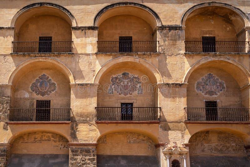 清真寺大教堂在科多巴,西班牙 外墙门面视图 库存图片