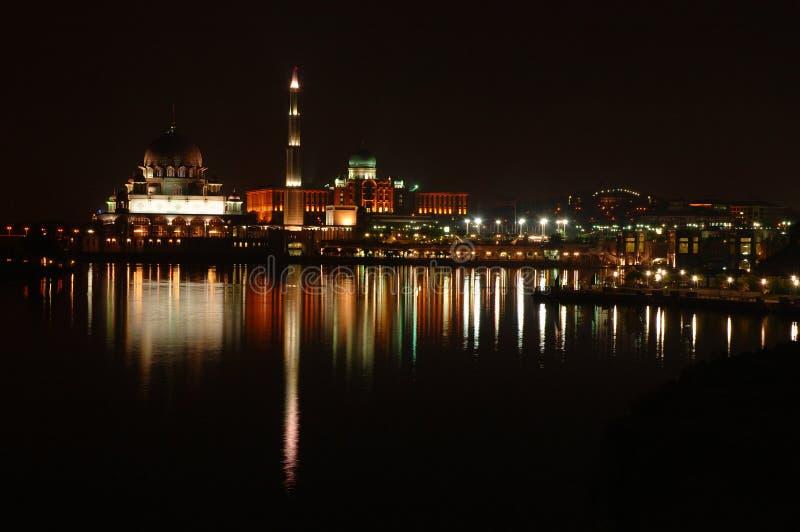 Download 清真寺晚上 库存图片. 图片 包括有 工作, bulblet, 反映, 外部, 顽皮地, 曲拱, 照明设备, 办公室 - 300881