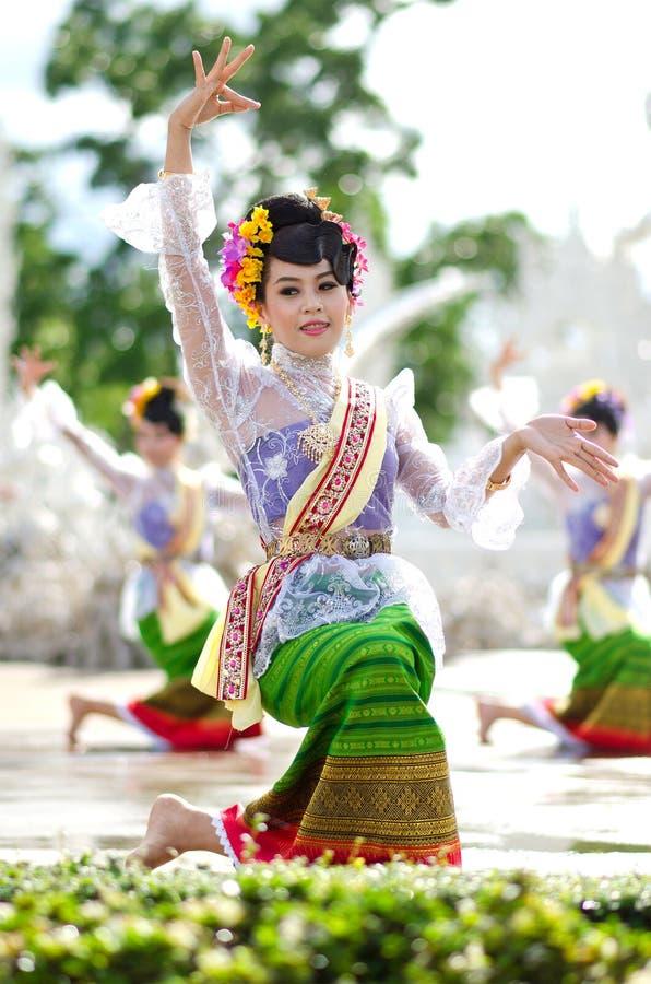 清莱- 7月24 :Wat荣2013.Thai 7月采取的Khun 24日, 免版税库存照片