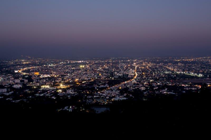 清迈在观点的夜视图doi suthep,泰国 免版税图库摄影