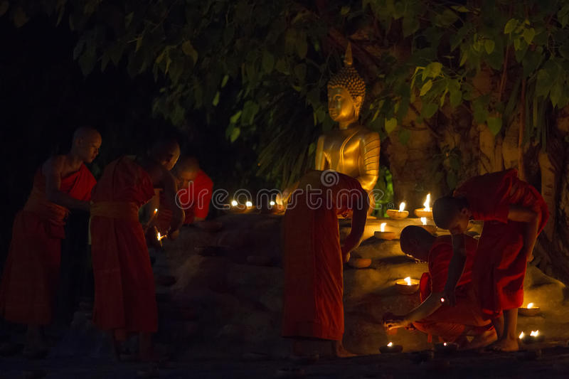 清迈,泰国- 5月20 :泰国和尚思考与 图库摄影