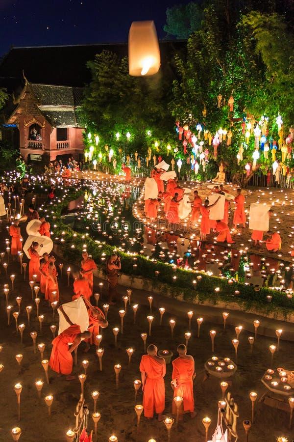 清迈THAILAND-NOVEMBER 17 :在Wat平底锅陶的Loy Krathong节日 库存照片
