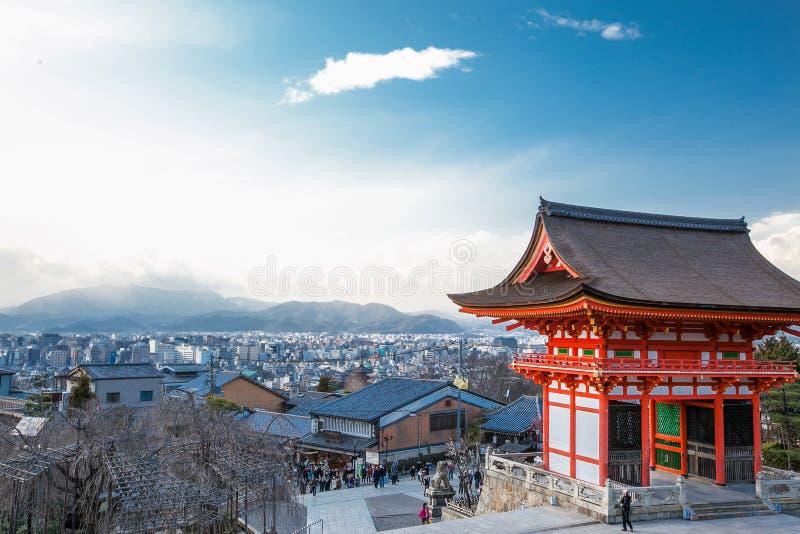 清水寺寺庙和京都市Nio星期一门  免版税库存图片