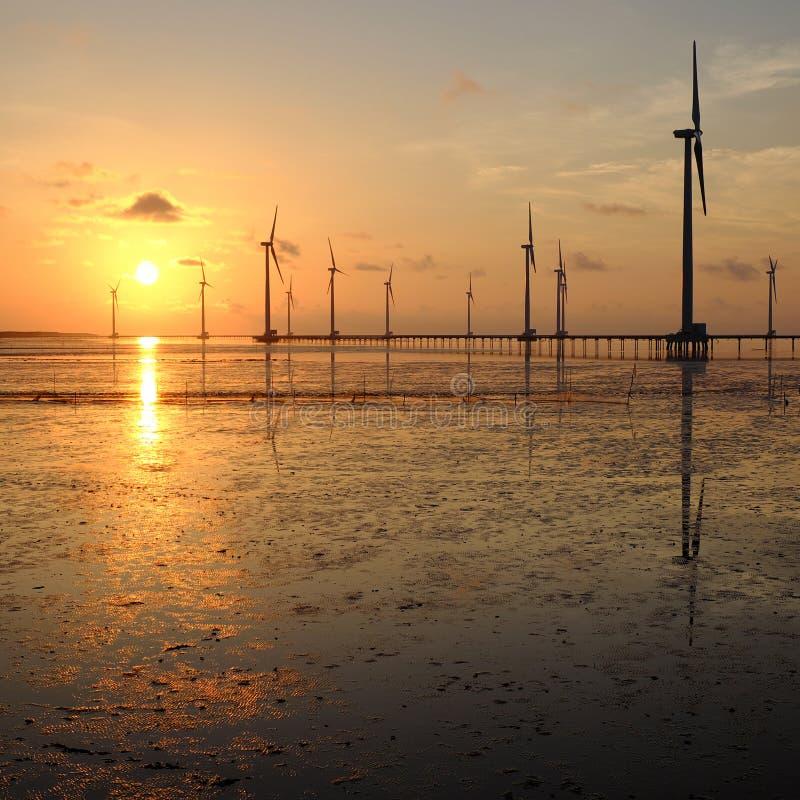 清洁能源,风力植物 免版税图库摄影