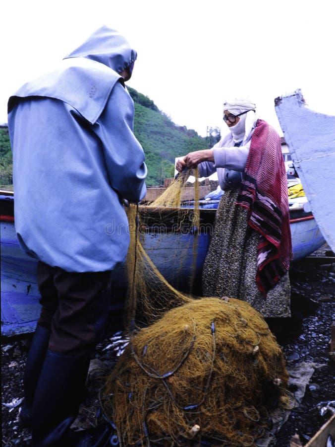 渔夫在黑海准备他们的网 免版税库存照片