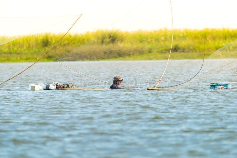 渔夫的村庄在有一定数量钓鱼的工具的泰国叫 免版税库存照片