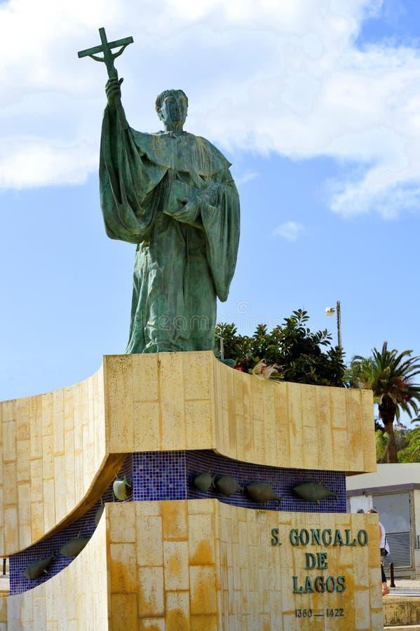 渔夫的葡萄牙受护神的雕象在阿尔加威S Goncalo de拉各斯 免版税库存图片