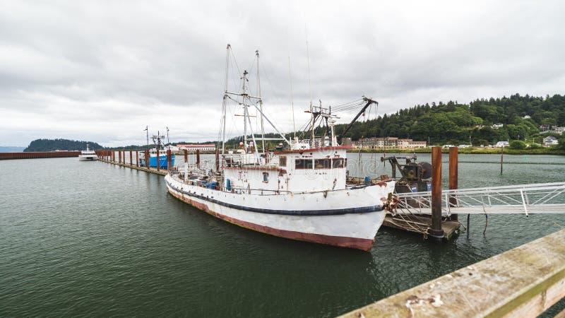 渔或侧航小船 库存图片