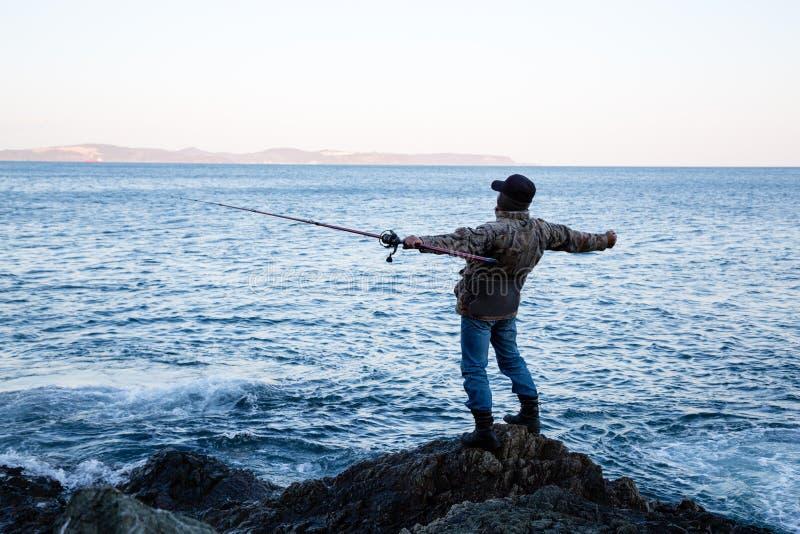 渔民欣赏开阔的空间 库存图片