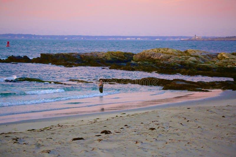 渔纽波特罗德岛州日出 库存图片