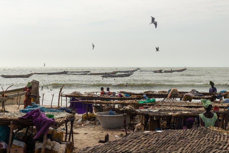 渔船在水中在滩基 库存照片