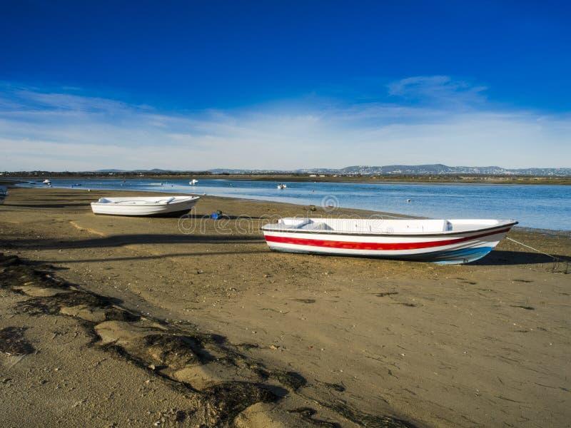渔船在法鲁阿尔加威 免版税库存照片