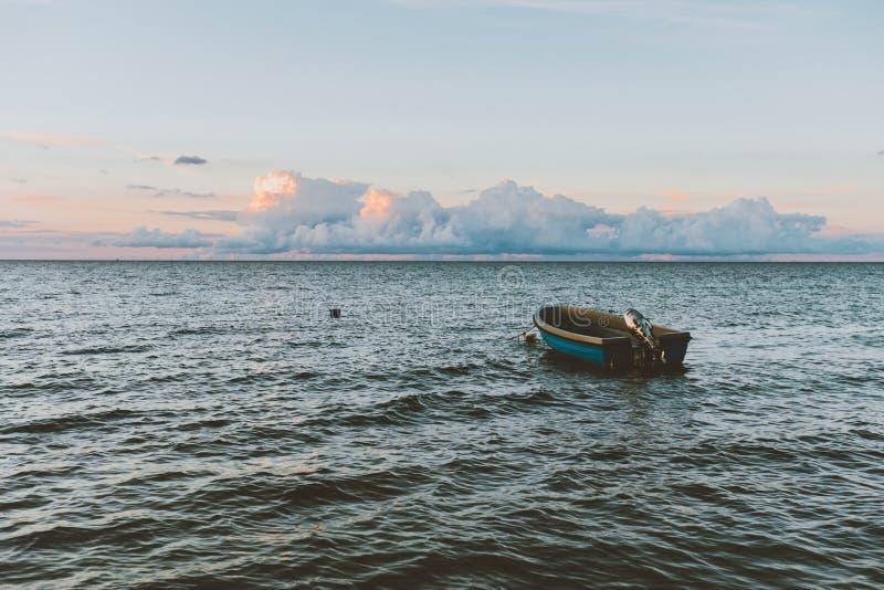 渔船在海运 图库摄影