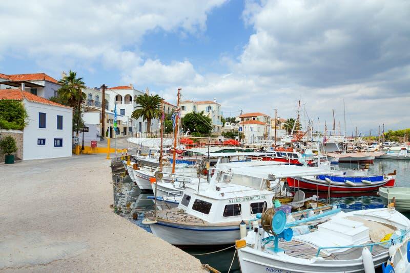 渔船在老港口,斯佩察岛海岛,希腊 图库摄影