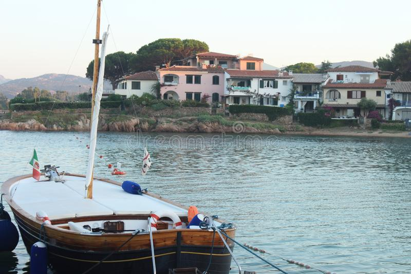 渔船被停泊在船坞 免版税图库摄影