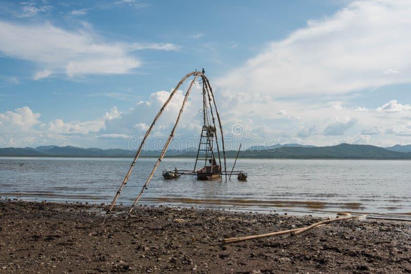 渔船Krasiao水坝 免版税库存图片