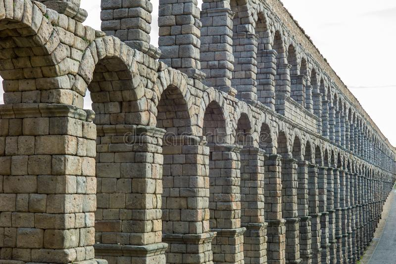 渡槽桥梁在塞戈维亚西班牙 免版税库存图片