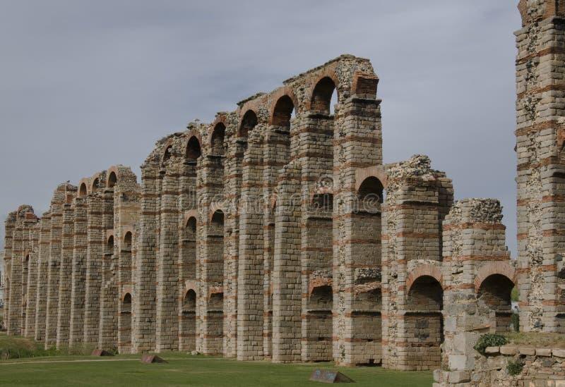 渡槽梅里达罗马废墟西班牙 库存照片
