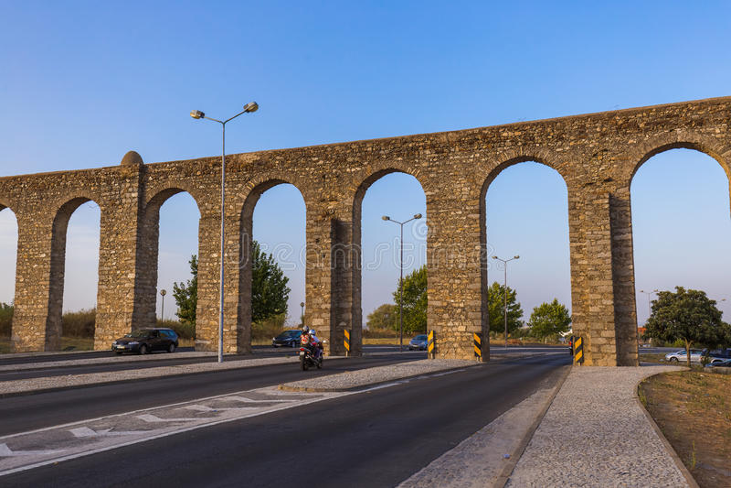 渡槽-埃武拉葡萄牙 免版税库存照片