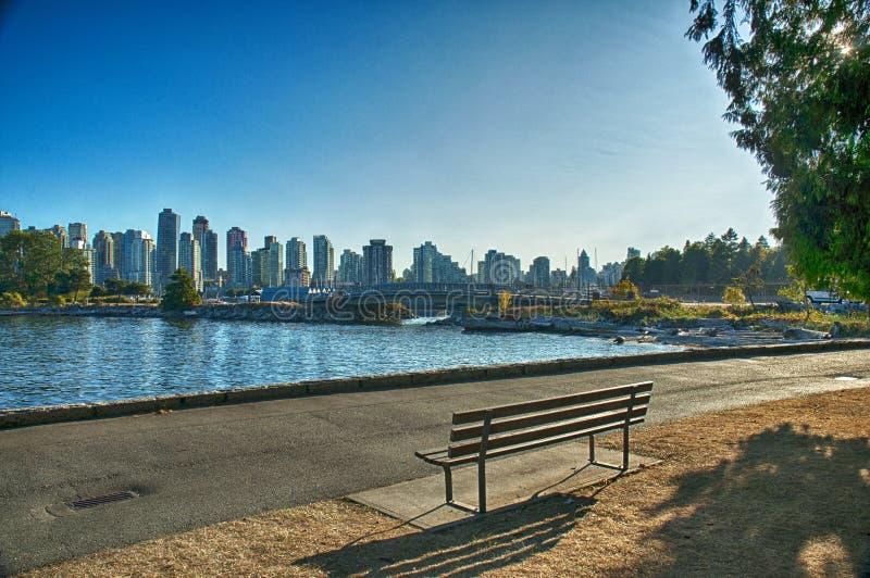 温哥华史丹利公园长凳 库存照片