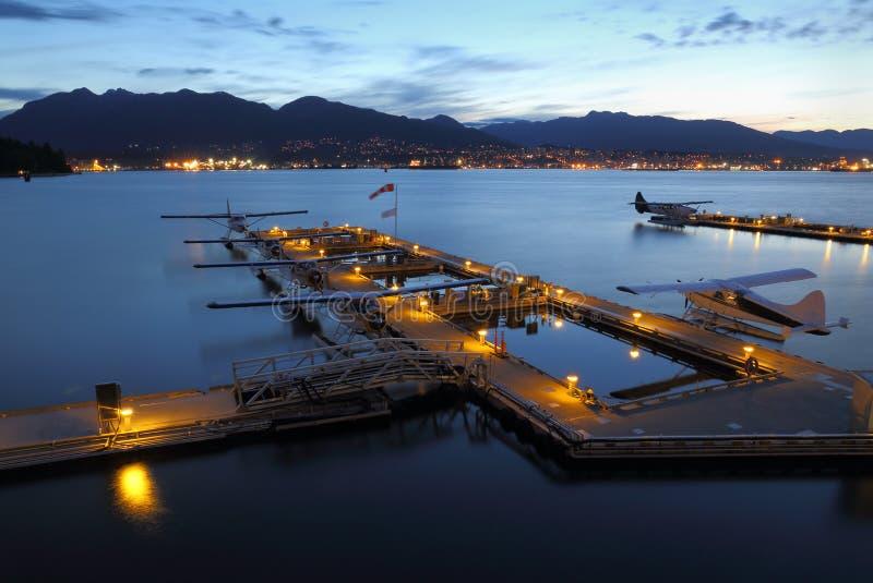 温哥华港口Floatplane基地黎明 图库摄影