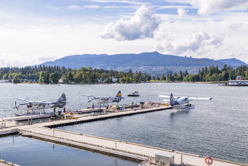 温哥华, BC,加拿大- 2016年6月06日:在温哥华` s煤炭港口怀有空气Dehavilland水獭 免版税库存照片