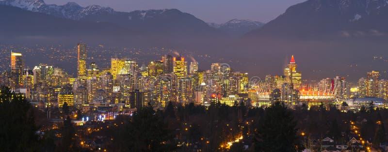 Download 温哥华 库存照片. 图片 包括有 冬天, 云彩, 码头, 加拿大, 旅馆, 局部, 错误, 小河, 温哥华 - 22355156