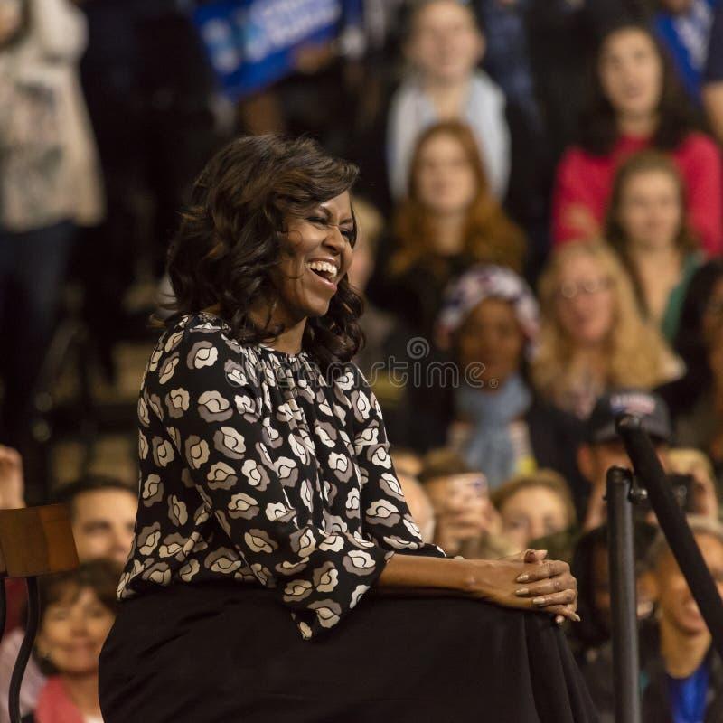 温斯顿萨兰姆, NC - 2016年10月27日:F irst米歇尔・奥巴马夫人出现于希拉里・克林顿的PR的一个总统选举事件 库存图片