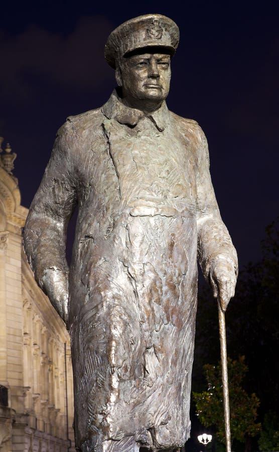 温斯顿・丘吉尔先生雕象在巴黎 图库摄影