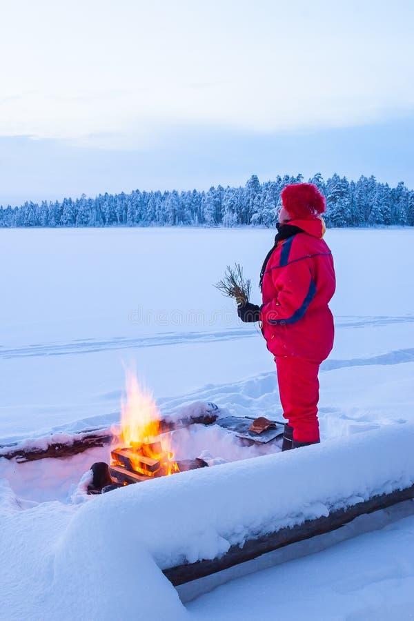 温暖在火 免版税库存图片