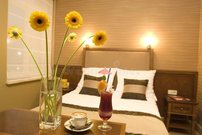 温暖气氛的卧室 免版税库存照片