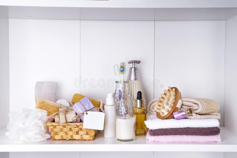 温泉和健康设置与毛巾 Dayspa自然产品 图库摄影