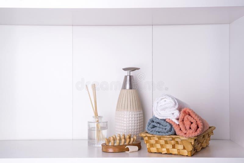 温泉和健康设置与毛巾 Dayspa自然产品 免版税库存照片