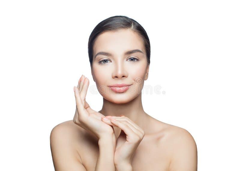 温泉在白色背景隔绝的逗人喜爱的妇女秀丽画象 Skincare、审美医学和面部治疗概念 库存图片