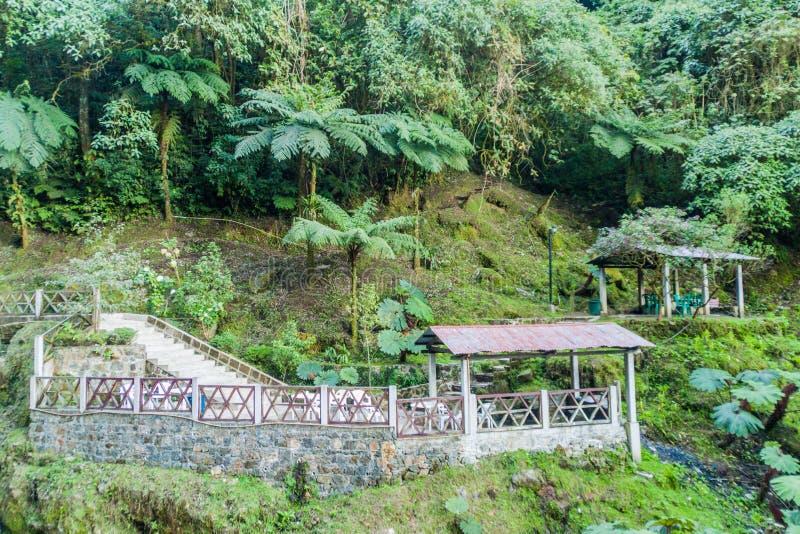 温泉城Funtes Georginas,Guatema大厦  免版税库存照片