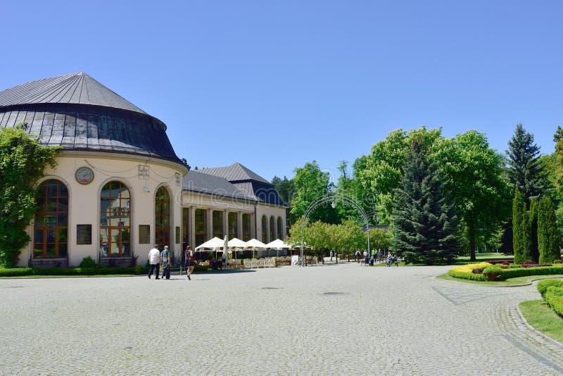 温泉议院看法在镇2014年5月20日的Kudowa Zdroj公园  免版税库存图片