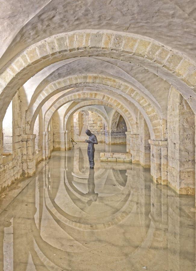 温彻斯特大教堂,英国被充斥的土窖  免版税图库摄影
