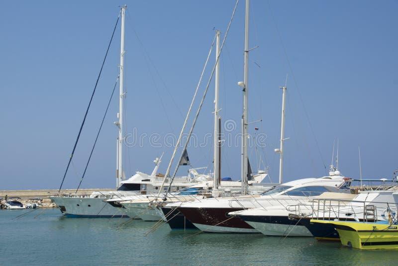 Download 港口在塞浦路斯 库存照片. 图片 包括有 蓝色, 黄色, 许多, 小船, 港口, 空白, 塞浦路斯, 海运 - 30325060
