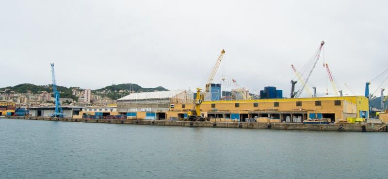 港口的工业边在热那亚,意大利 免版税图库摄影
