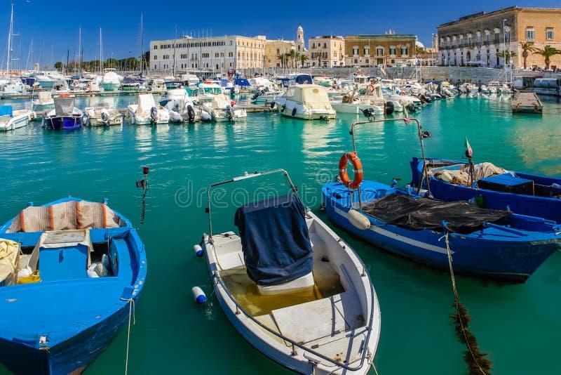 港口 特拉尼 普利亚 意大利 库存图片