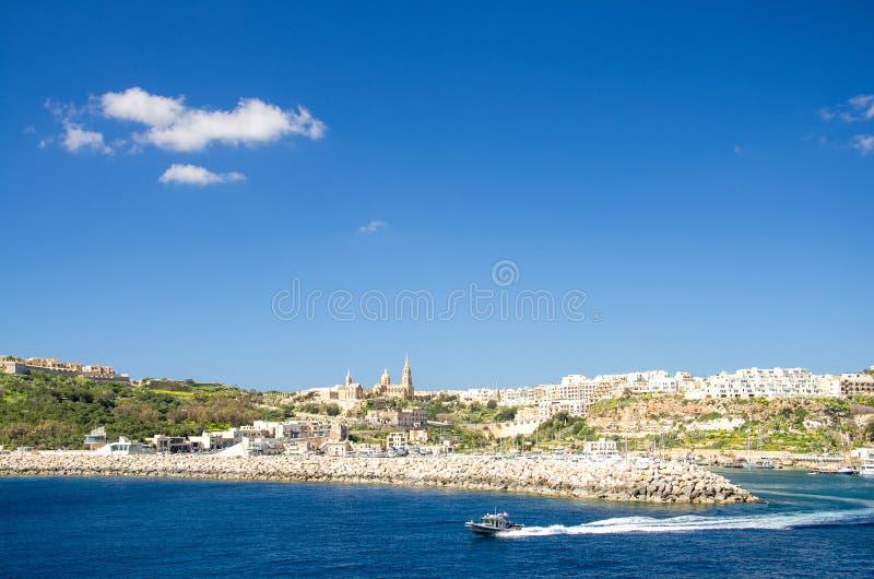 港村庄镇Mgarr看法在戈佐岛海岛,马耳他上的 免版税库存图片