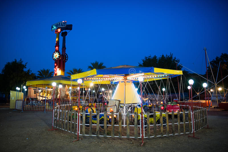 游乐园在晚上 图库摄影